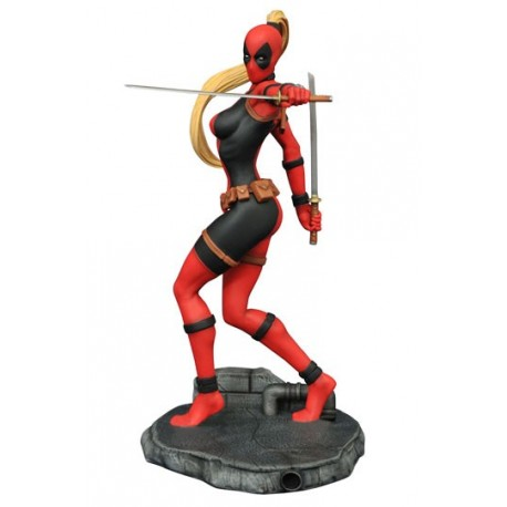 Comprar Marvel Estatua Femme Fatales Lady Deadpool
